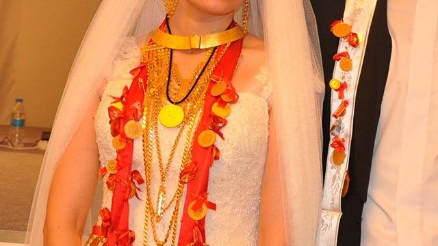 Düğünde Takılan Altın Ve Takılar Kime Aittir